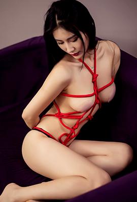 美女关爱妮大尺度捆绑人体艺术写真
