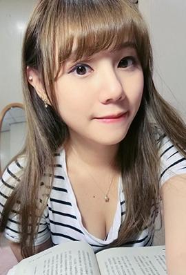 台湾美女校花洪薇乔私房照自拍图片