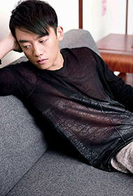 离婚前规则演员郑恺变身时尚暖男