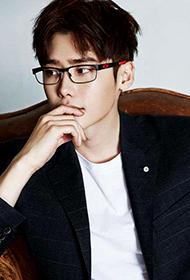 韩国男演员李钟硕帅气写