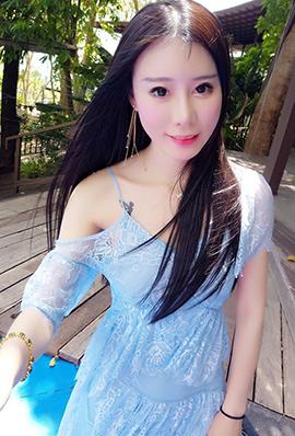 网络美女汤维嘉自拍照片曝光