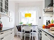 现代简约厨房装修效果图欣赏