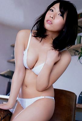 日本新晋性感女神上冈枫写真照