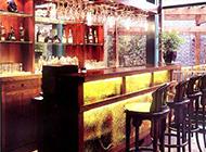 别具新裁的10款酒吧吧台装修效果图