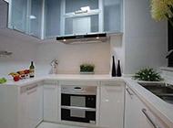 现代小户型厨房橱柜设计效果图