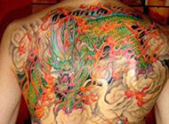 后背的烈火麒麟纹身图片