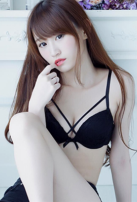 90后清纯模特陈绰妮私房护士写真