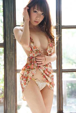 日本写真美女清水爱理性感摄影图集