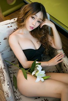 空气刘海美女王雨纯私房性感内衣秀
