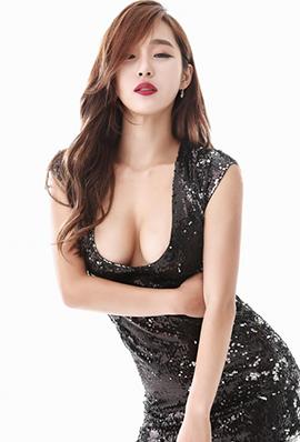 韩国美女模特李智娜性感养眼写真