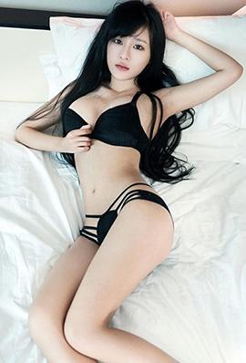 美女模特林清儿酒店内衣写真身姿迷人