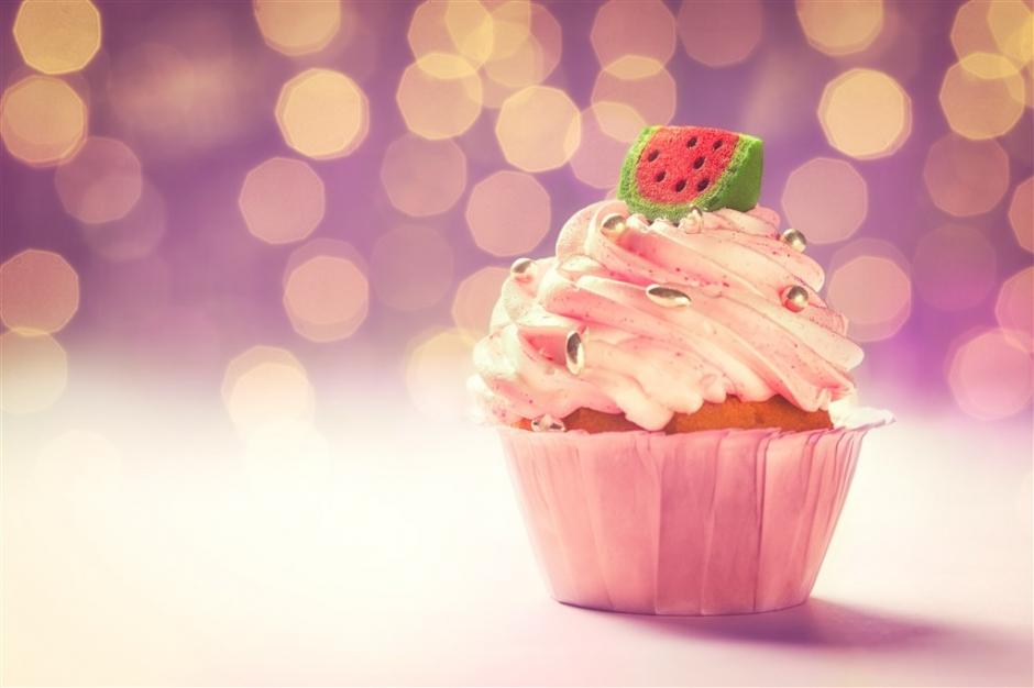 小雪人蛋糕图片 奶油小蛋糕图片