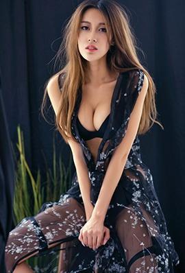 推女神模特耿晶蕾丝长裙写真美胸诱人