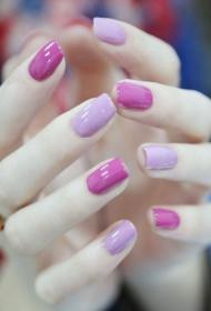 简单又好看的紫色方头短指甲款式图片