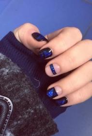 时尚个性蓝宝石图案彩绘美甲图片