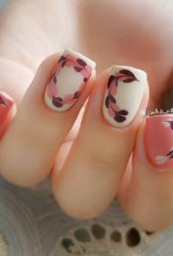 2017最流行的粉色搭配白色韩国小清新拉花美甲款式图片