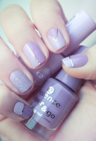 2017新款时尚又好看的紫色短指甲美甲图片