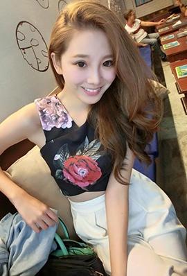 台湾美女模特黄钡铢生活自拍照气质迷人