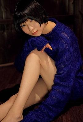 日本美女藤咲彩音私房写真图片