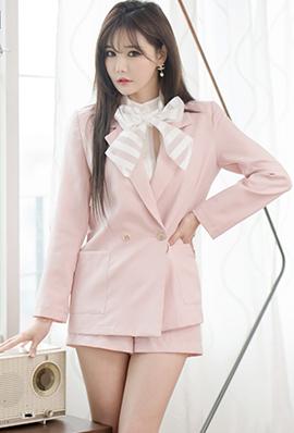 气质韩国美女韩佳恩私房制服写真妖娆迷人