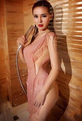 美女主播桂馨柔微博性感写真湿身诱人
