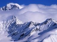 蓝天雪山雪景壁纸桌面下载