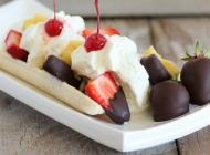 香蕉船冰淇淋图片 美食夏季冷饮香蕉船冰淇淋摄影