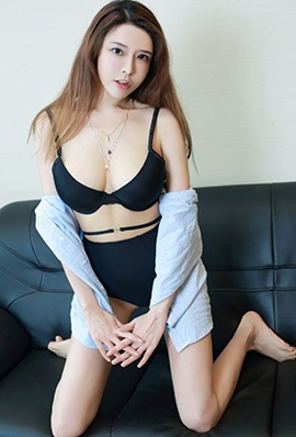 美女模特夏小秋内衣性感写真丰满诱人