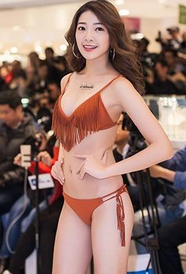 台湾美女周颖立比基尼写真笑容迷人