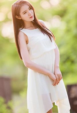 韩国美女闵侑琳短裙唯美写真气质迷人