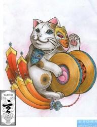 纹身520图库推荐一张带面具的猫纹身图片
