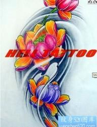彩色莲花纹身图片