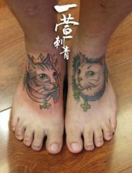 脚背经典流行的猫咪纹身图片