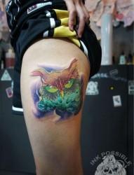 女人腿部经典很帅的猫头鹰纹身图片