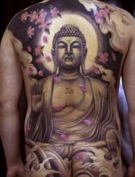 流行很帅的一张满背佛纹身图片