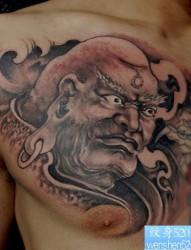 胸部一张经典的罗汉纹身图片