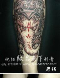 腿部经典凶悍的象神纹身图片