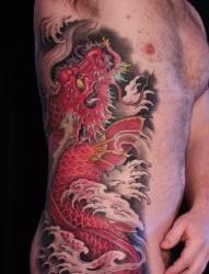 男生侧腰很酷经典的鳌鱼纹身图片