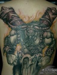 背部霸气的牛魔王纹身图片