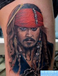 超酷的腿部加勒比海盗纹身图片