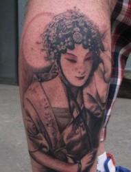 腿部古典美女花旦纹身图片