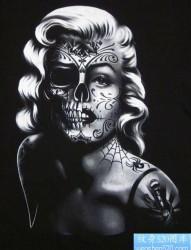 一张邪恶的玛丽莲梦露纹身图片