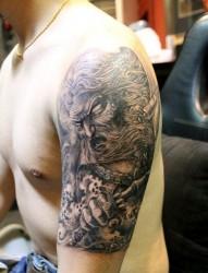 男生手臂帅气经典的姜太公姜子牙纹身图片