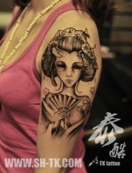 美女手臂漂亮的日本艺妓纹身图片
