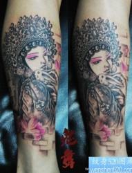 腿部前卫漂亮的美女花旦纹身图片