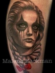一张漂亮的美女小丑纹身作品