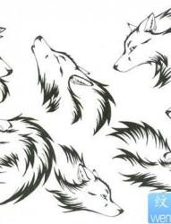 一幅经典时尚的图腾狼头纹身作品