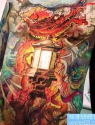 一幅经典的传统龙纹身图片
