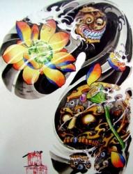 中国新传统之超帅的一幅半甲莲花嘎巴拉纹身手稿图片