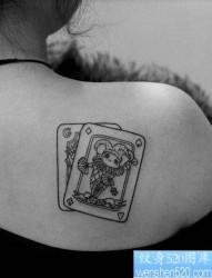个性而有张扬的背部纹身图片由纹身520图库发布